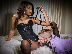Dominant Chick With a Submissive Male Bitch